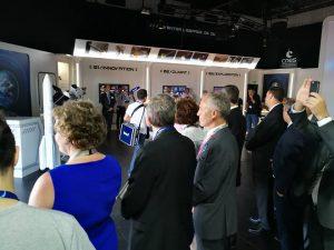 Vue de l'intérieur du pavillon du CNES lors du Vue de l'intérieur du pavillon du CNES lors du Salon International de l'Aéronautique et de l'Espace 2017 (Le Bourget)